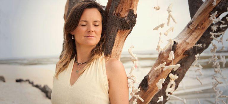 Drop positiv tænkning – hengiv dig til accept! + øvelse